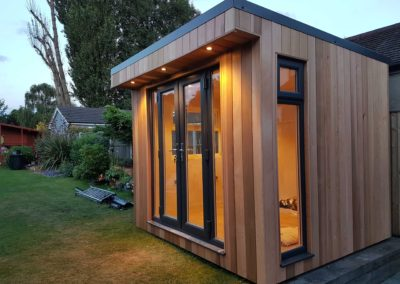 Sngled small garden room right side vertical window