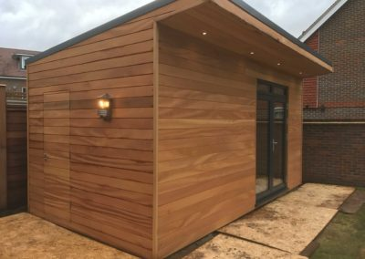 Angled garden room with small canopy