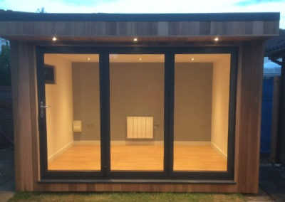 Garden Room with Hot Tub in Ipswich